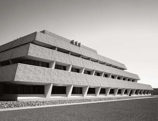 Chet Holifield Federal Building
