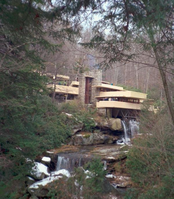 Frank Lloyd Wright's Fallingwater - falling water close